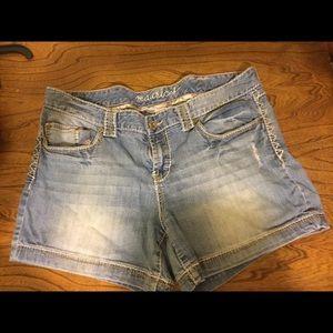 Denim shorts. GUC.